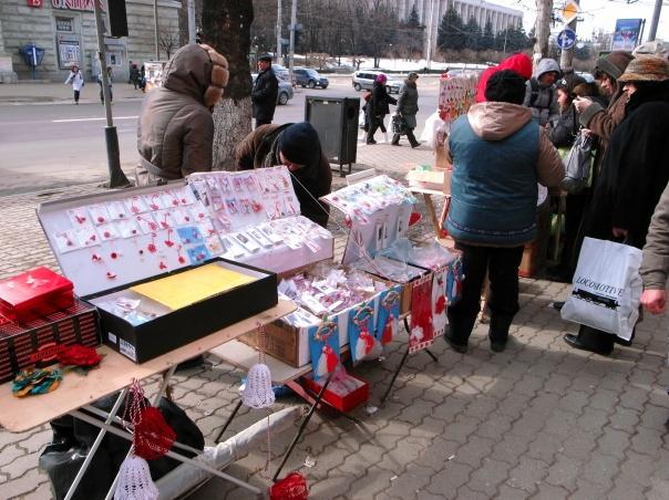 Chisinau : vente de martisor boulevard Stefan-cel-Mare